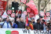 Тысячи британцев против политики Кэмерона