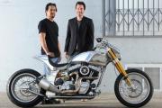 Киану Ривз занялся мотоциклами