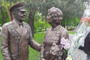 В Киеве открыли первый памятник ветеранам ВОВ