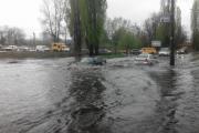 В Киеве речка Дарница вышла из берегов