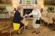 Елизавета II утвердила Терезу Мэй премьер-министром Великобритании